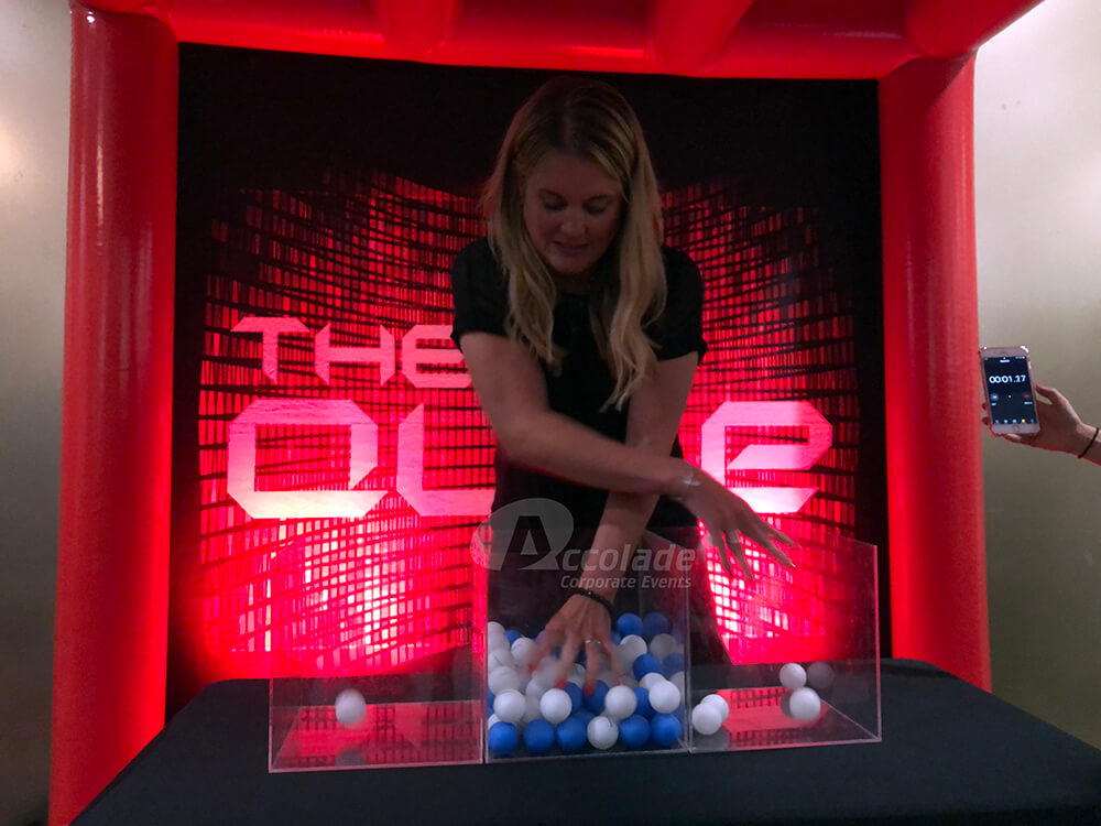 Separating balls by colour in Beat the Cube team event