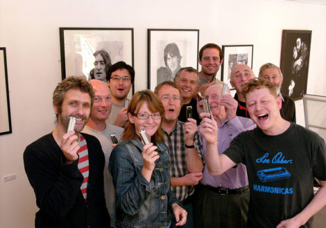 Group with harmonicas at harmonica workshop